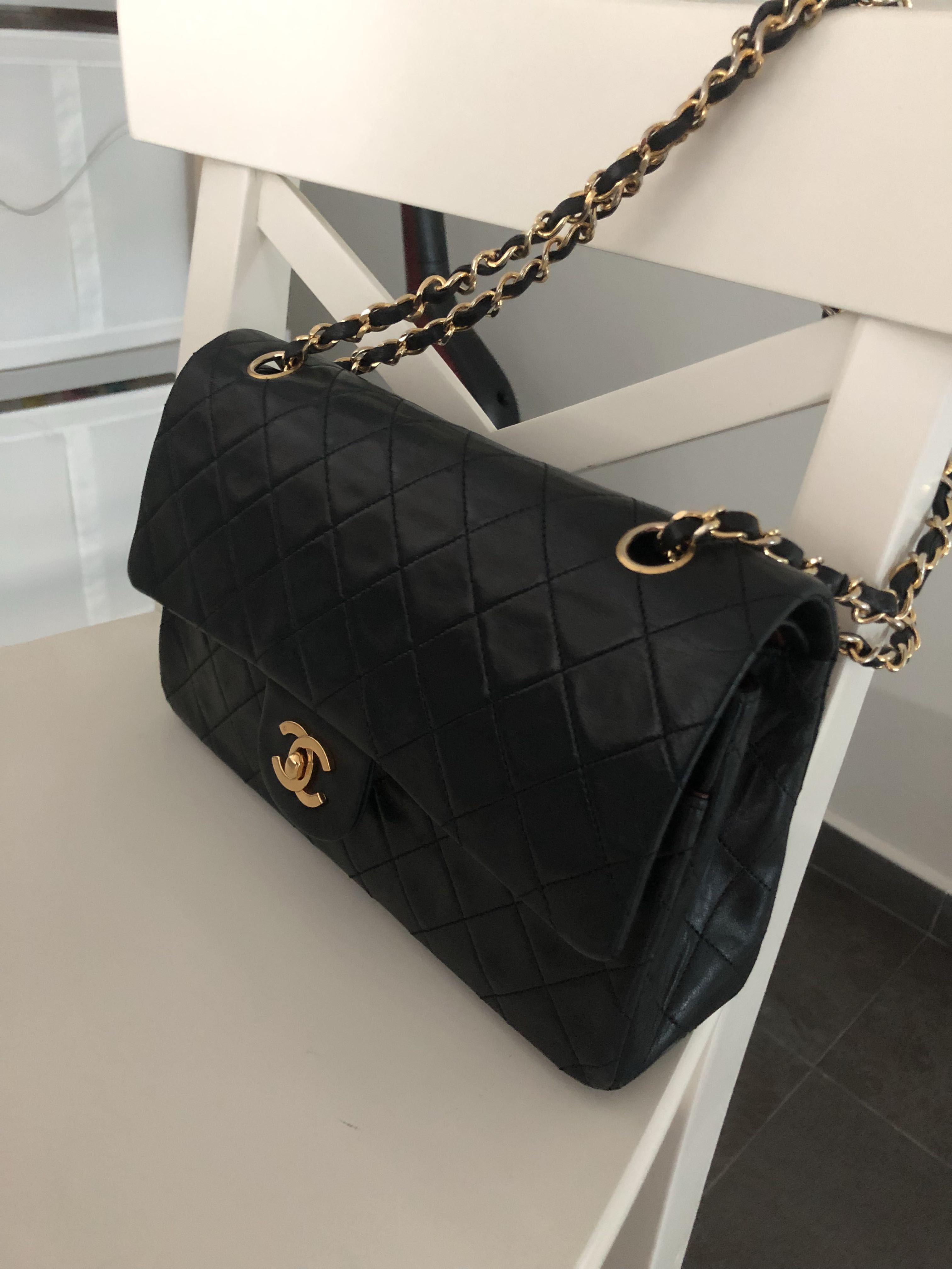 ab139c874a Authentic vintage Chanel 10inch, Luxury, Bags & Wallets, Handbags on  Carousell
