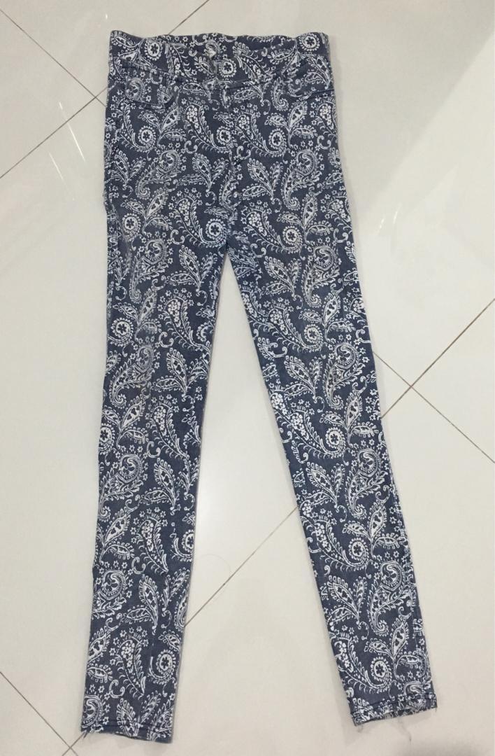 Celana Legging Biru Bahan Tebal Fesyen Wanita Pakaian Wanita Bawahan Di Carousell