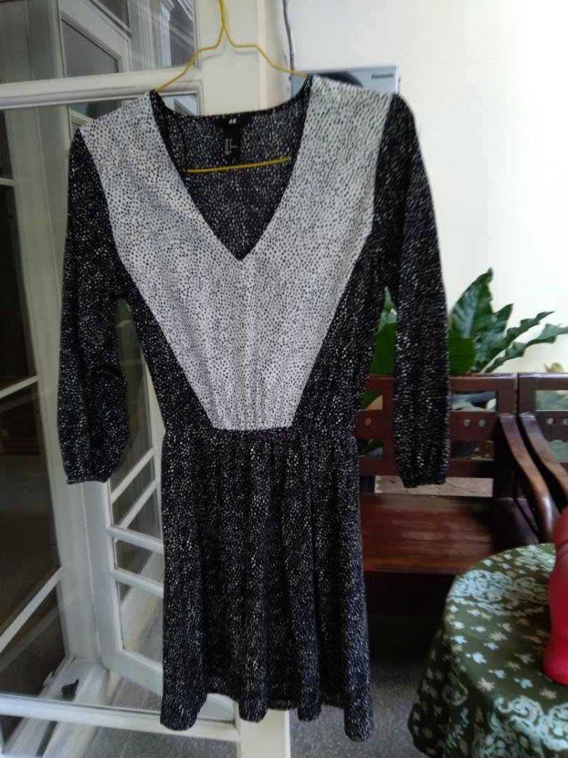 H & M casually elegant day dress