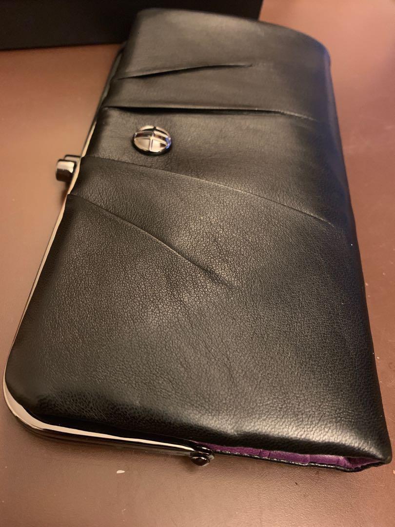全新Hugo Boss 黑色真皮女裝有盒長銀包