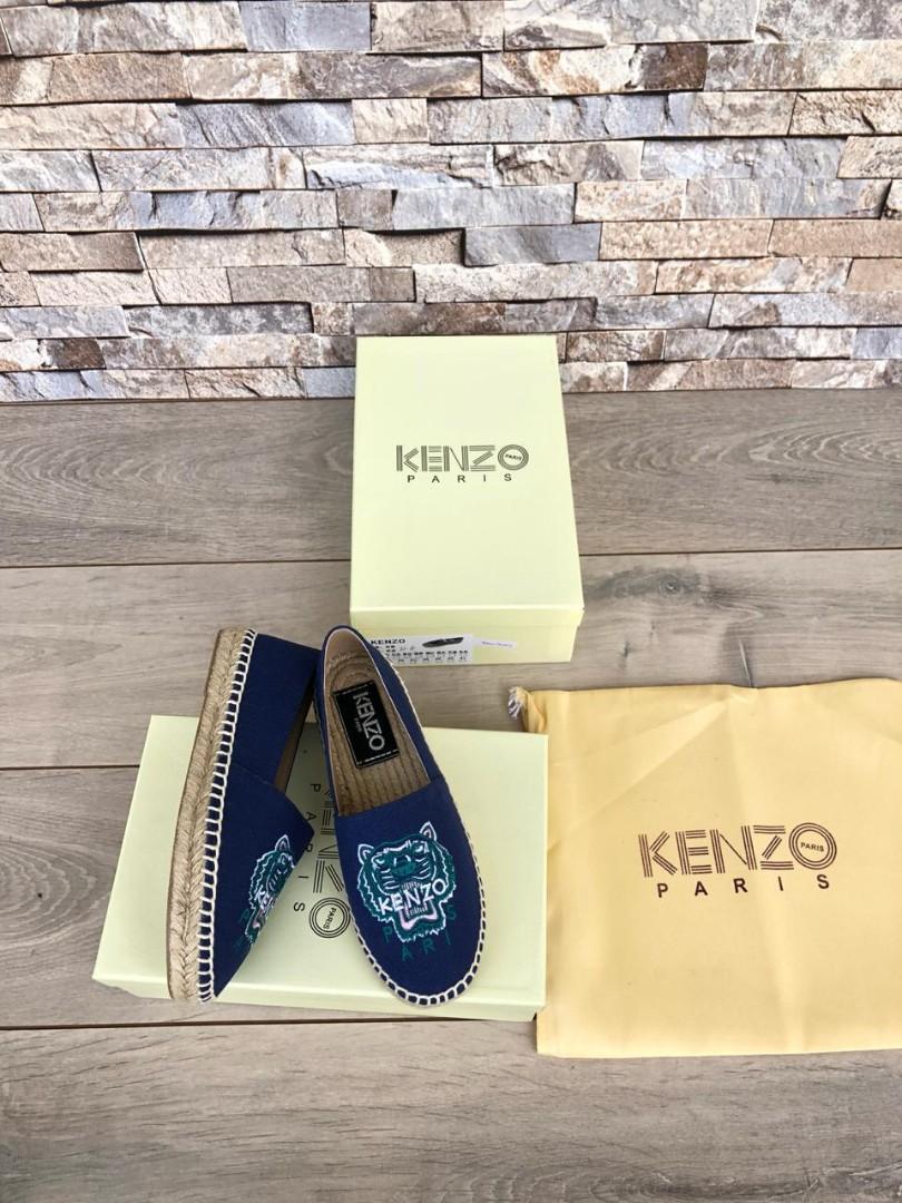 Kenzo K8228, SUPERMIRROR, 35-40,   @700rb (Standar Size)  BERAT 800G  Bahan Canvas (Quality Sangat Bagus) insole : 35=22.5cm 36=23cm 37=23.5cm 38=24cm 39=24.5cm 40=25cm
