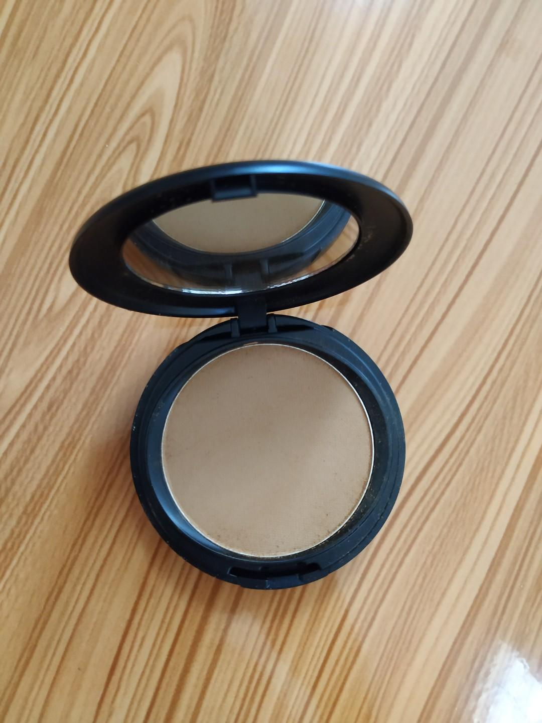 Make Over Powerstay Matte Powder Foundation(Shade Rich Cocoa)