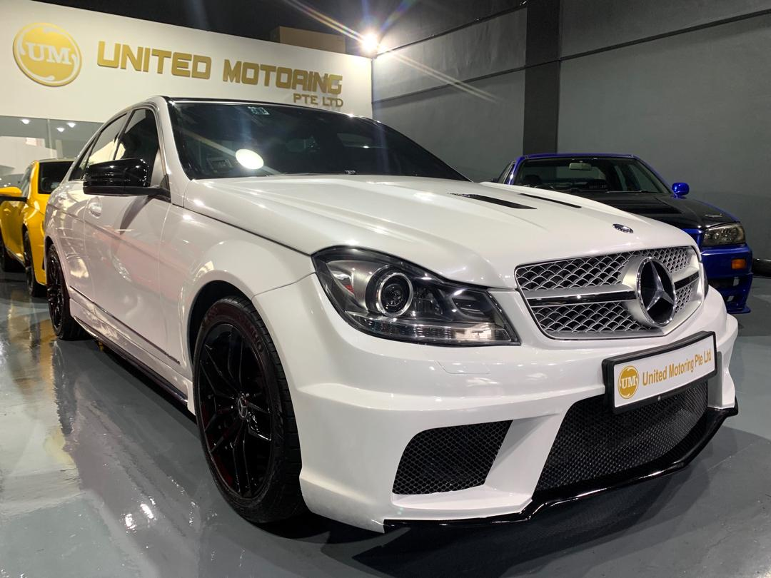 Mercedes-Benz C180 Kompressor BlueEfficiency Auto