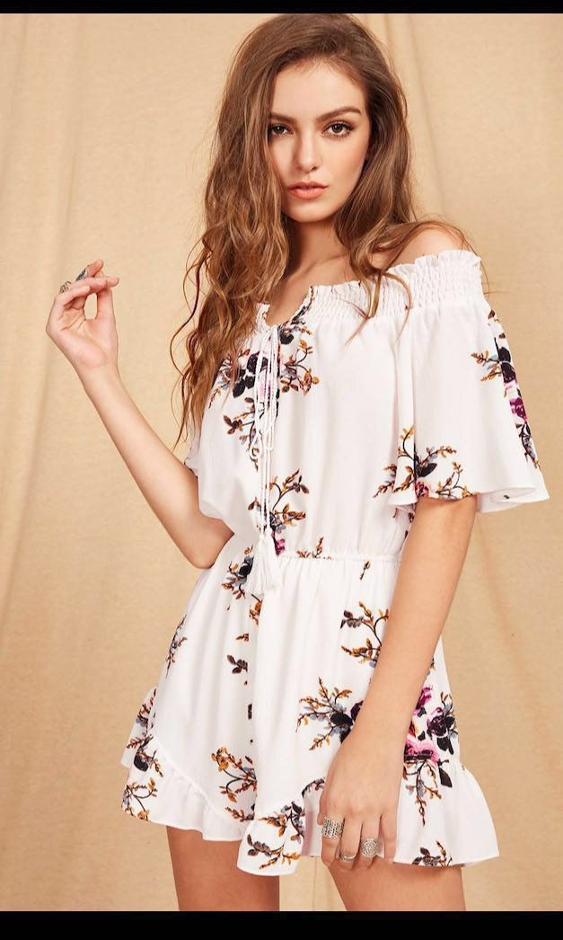e64f363eb6163 ROMWE Floral print Front Tie Romper, Women's Fashion, Clothes, Rompers &  Jumpsuits on Carousell
