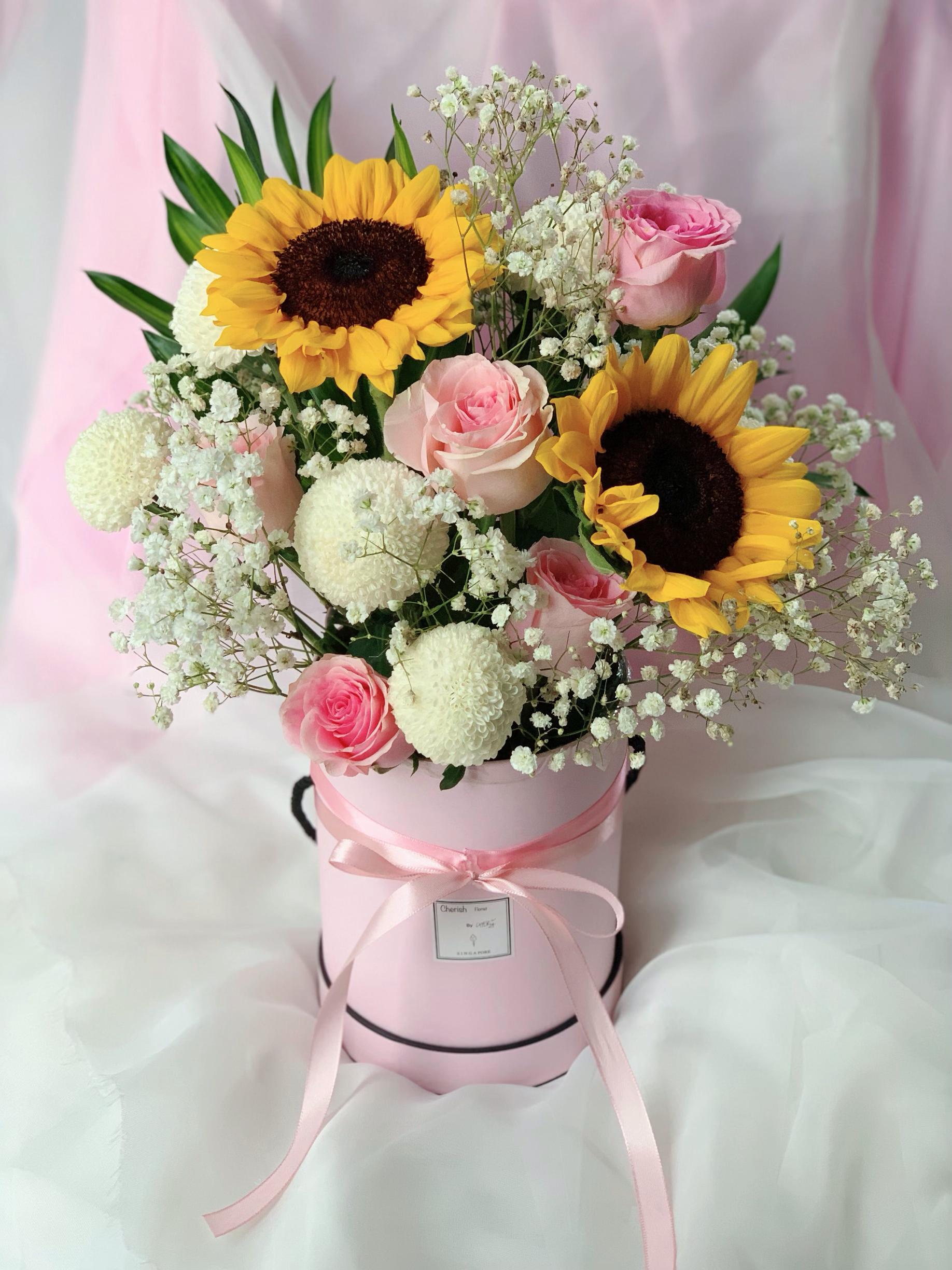 Sweet Sunflower Bouquet In Box Gardening Flowers Bouquets On Carousell
