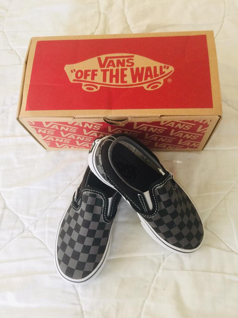 10d7e08e67ac1 Vans Classic Slip-On Core Shoes Kids US size 11.5 on Carousell