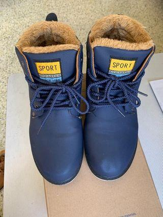 Winter sports ankle boots Navy unisex size 42