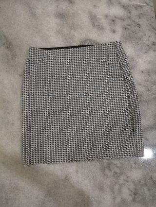 Bodycon grey skirt