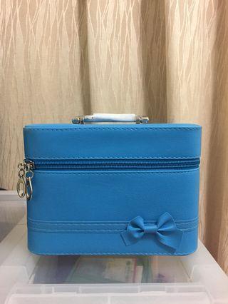 🚚 水藍皮革化妝箱