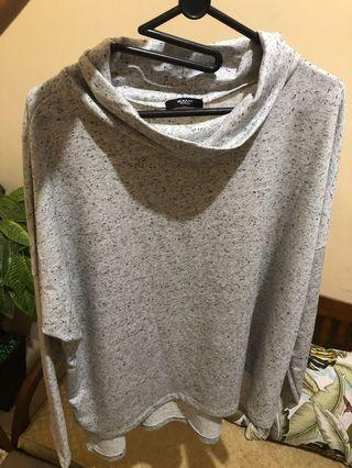 Grey oversized turtleneck  ( atasan turtleneck abu-abu )