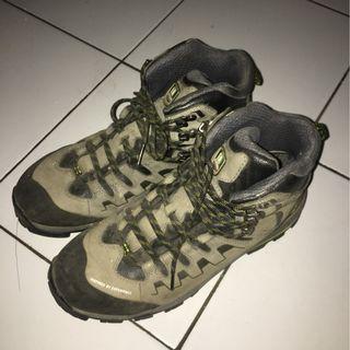 Sapatu Hiking Consina Trango