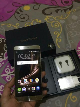 "Asus ZenFone 3 Deluxe, 5,7"", Ram 6GB, internal 64GB, Fullset Original"