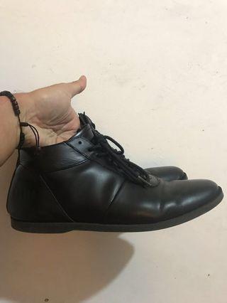 Sepatu Brodo Ventura EZ E+ (full Black)