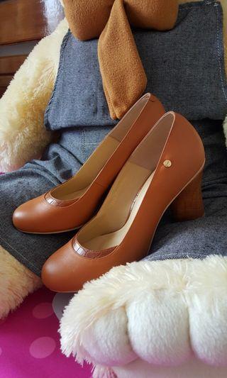 Sepatu kulit cokelat BONIA Authentic Unik #mauthr