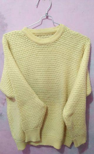 Yellow Sweater #mauthr