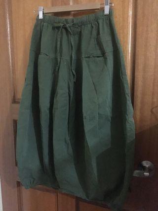 🚚 日系墨綠燈籠褲