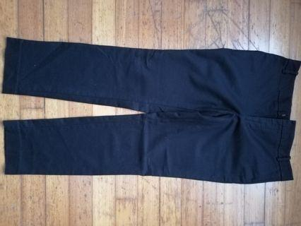 🚚 Pants crop at the ankles. Very good condition.
