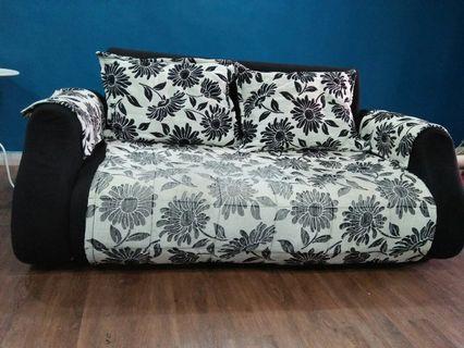 Sofa 2+3 seater free coffee table