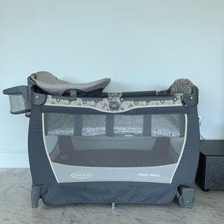 Graco pack'n play - baby bed