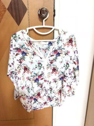 Summer flowery top