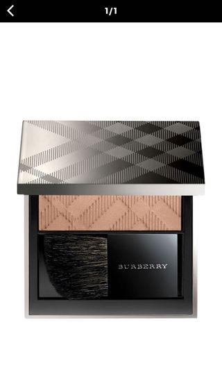 Brand new Burberry Light Glow in Earthy Blush 07