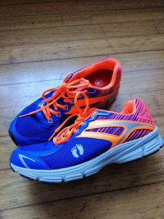 🚚 Sports shoes