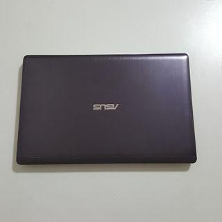 ASUS F202E (Touch Mon) I5-3317 4GB 500GB Win10 Pro 90% NEW