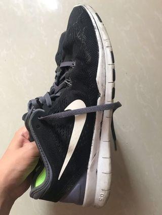 Nike Free Trainers [REPRICED]