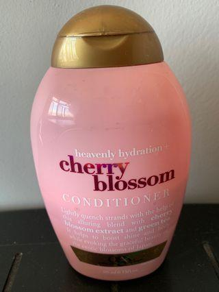 🚚 (USED) Ogx cherry blossom conditioner