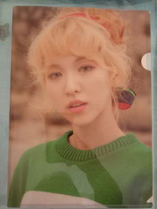 [WTS] Red Velvet Wendy file + postcard
