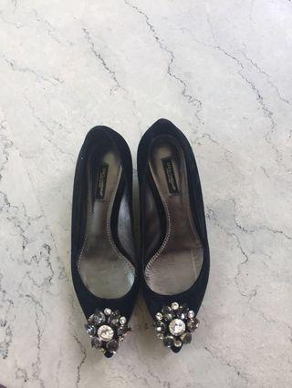 Auth Dolce and gabbana kitten heels 38