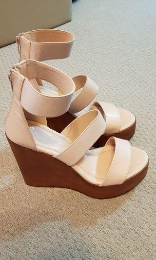Gorgeous Blush Women's Wedge Shoes/Sandals size 7 Novo worn once
