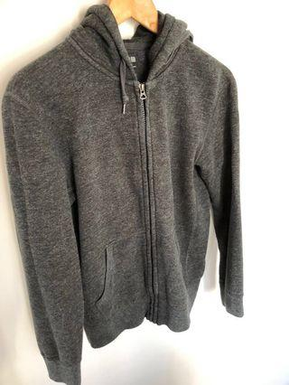 🚚 Grey Hoodie from Uniqlo