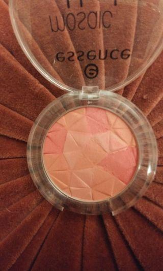 Essence The Berry Connection blush