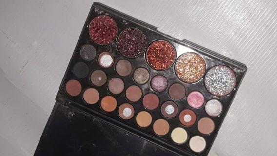 #mauthr Eyeshadow Pallete