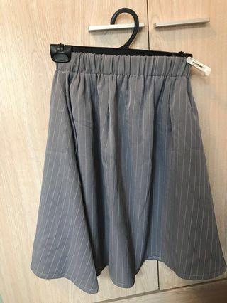 灰色幼間斯文半身裙