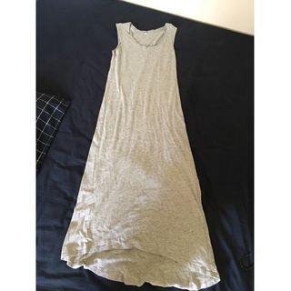 Uniqlo 灰色連身裙