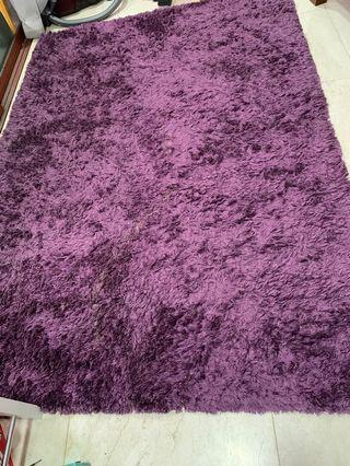 Shaggy carpet approx  89 inch * 61.5 inch