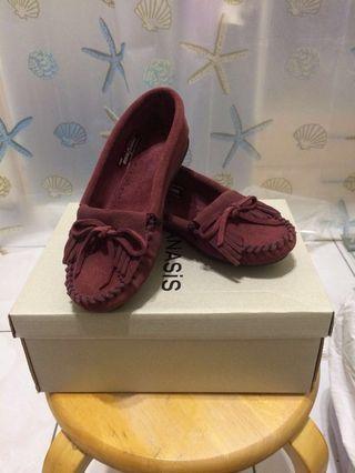 莫卡辛流蘇豆豆鞋(酒紅色)