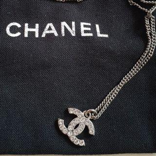 CHANEL NECKLACE ( Authentic)