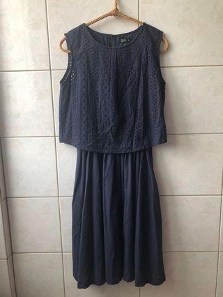 🚚 NET 深藍棉麻花朵簍空無袖洋裝