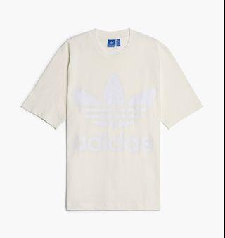 🚚 Adidas Originals boxy t-shirt in White