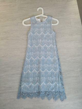 🚚 Lace dress in light blue