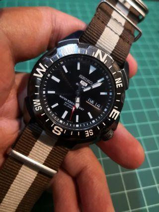 Seiko SNZE83 Compass
