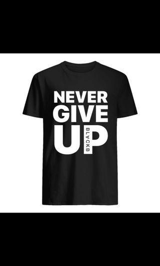 🚚 Liverpool Salah 'Never Give Up' Shirt