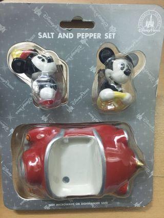 Disney salt & pepper shaker set 迪士尼 walt disney world