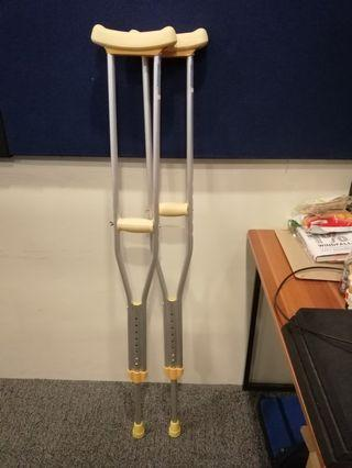Crutches Saklay Pair Medium Size Used Once