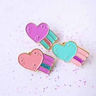 🚚 Shooting Heart Enamel Pin