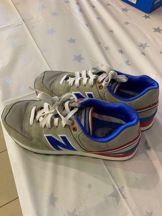 🚚 New balance shoes 574