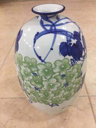 Ceramic vase ,陶瓷花瓶